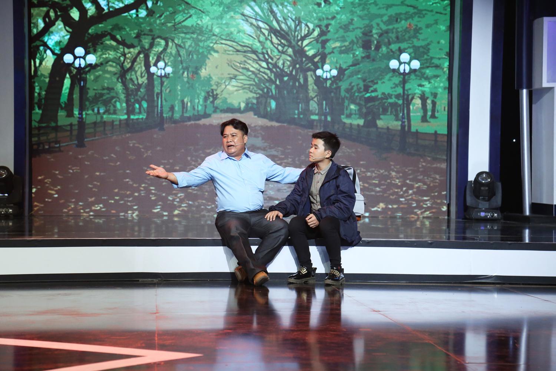 Hari Won, Trịnh Thăng Bình rưng rưng trước ông bố gà trống nuôi con  suốt 10 năm