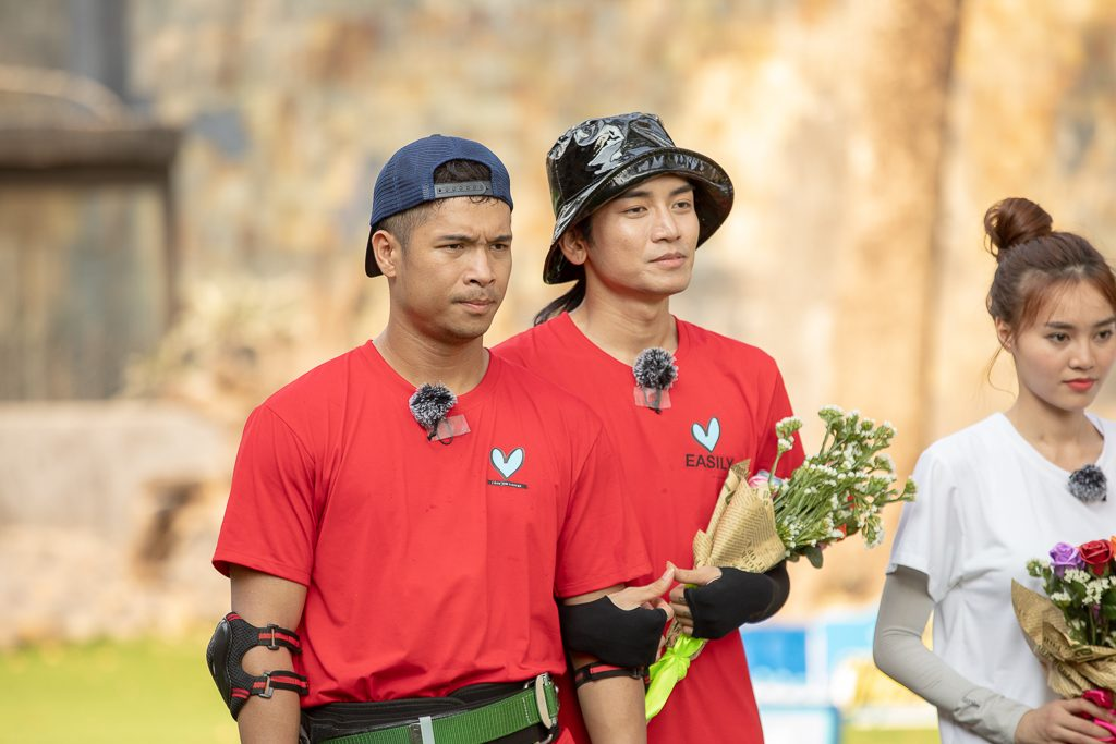BB Trần và Trương Thế Vinh hóa cặp đôi đam mỹ, bất chấp tất cả môi kề môi trên sóng truyền hình
