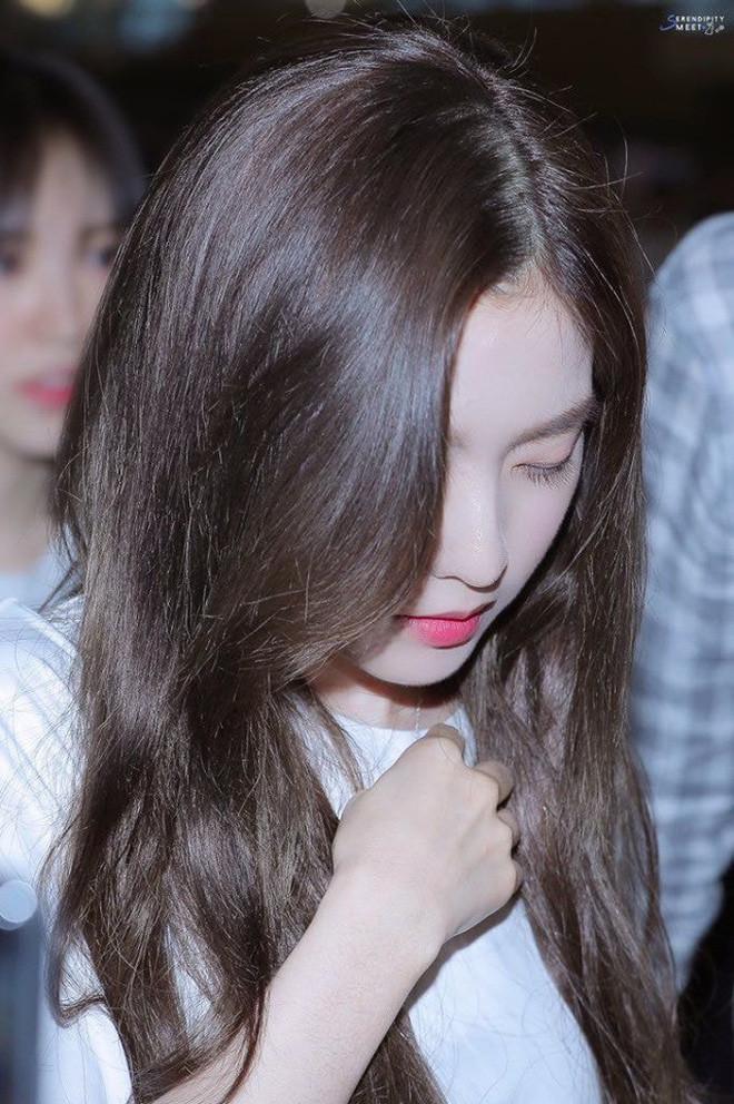 Đây là nhan sắc thật ngoài đời của nữ thần sở hữu gương mặt đẹp nhất nhà SM qua ống kính chớp nhoáng của fan