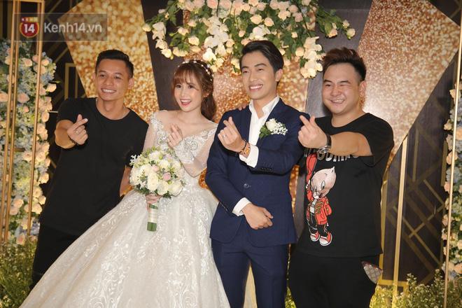 Pew Pew, Gino Tống cùng dàn YouTuber đình đám hội tụ tại đám cưới Cris Phan và Mai Quỳnh Anh