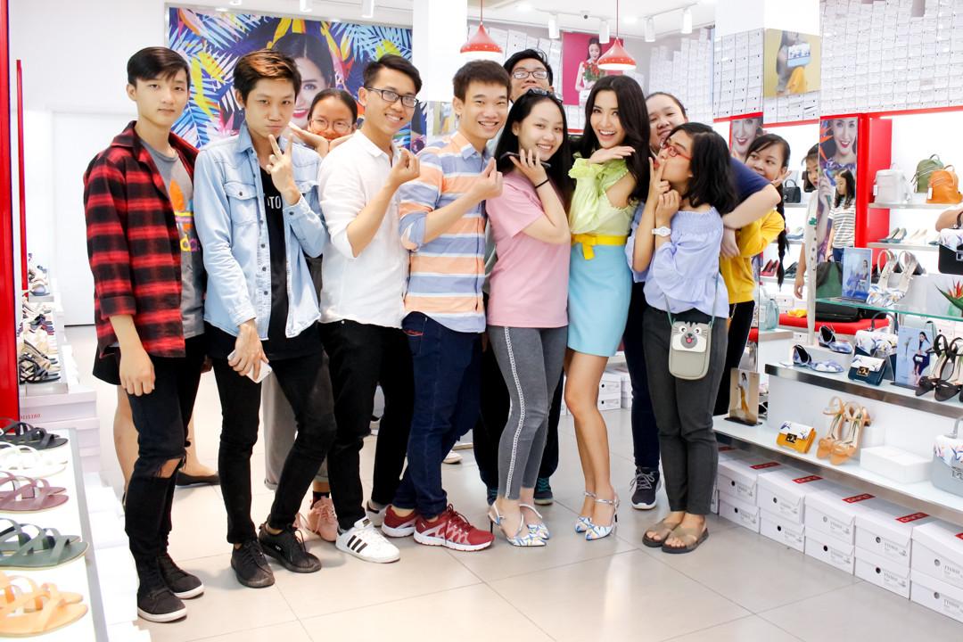 Bích Phương gửi tâm thư cho FC sau ồn ào fan gây chiến vì thần tượng bị xếp sai vị trí trên poster