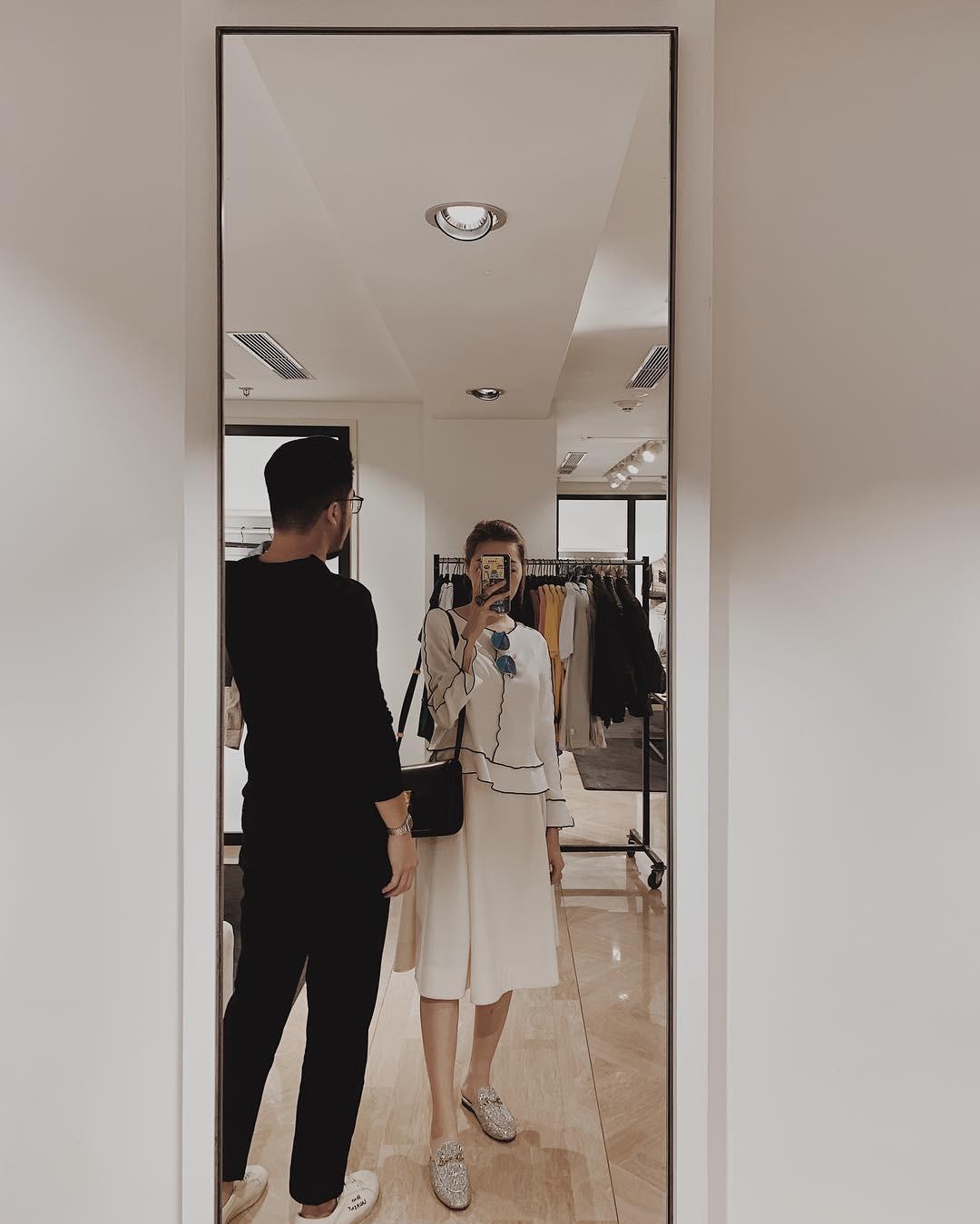 Thêm hình ảnh về vợ sắp cưới của hoàng tử Indie Thái Vũ: Thần thái sang chảnh ngút ngàn, mặc gì cũng thấy đẹp