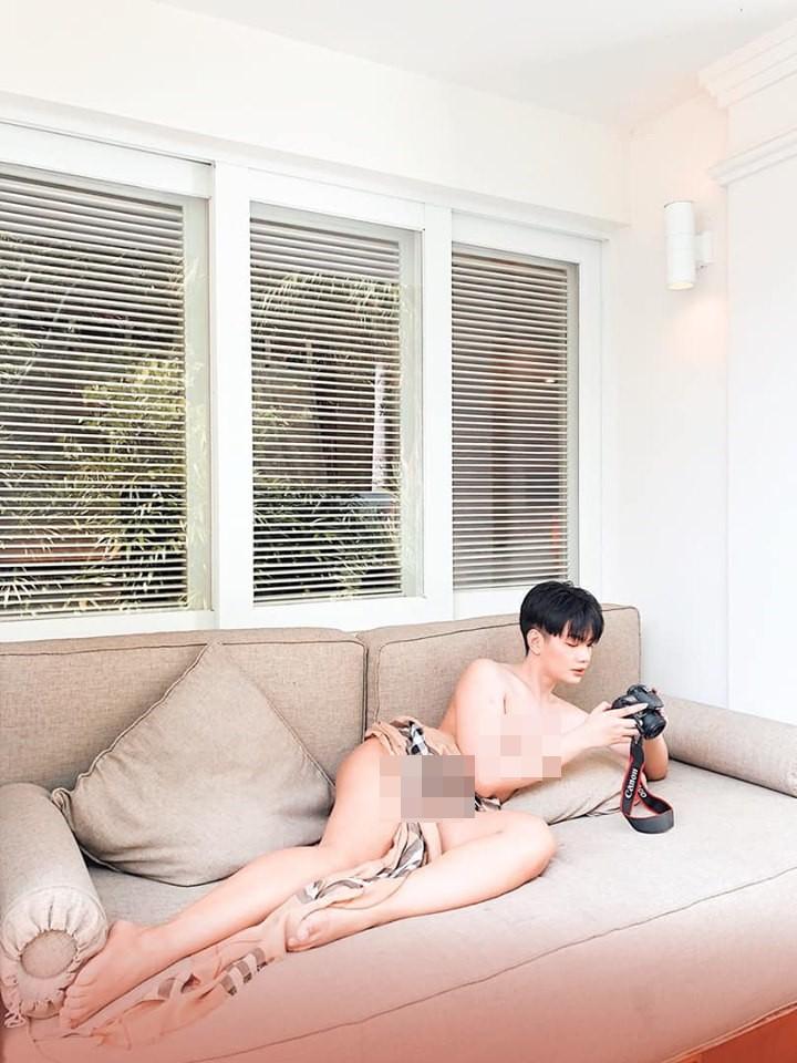 Đào Bá Lộc bị chỉ trích khi tung ảnh lộ da thịt vô cùng phản cảm