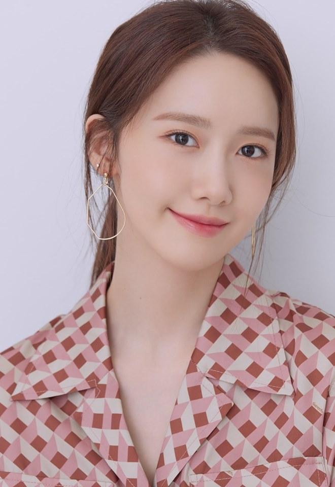 Yoona khoe nhan sắc trong trẻo như nắng mai trong bộ ảnh mới: Dù 20 hay 30 tuổi, nữ thần SNSD vẫn đẹp bất chấp