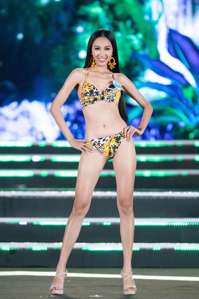 Chung kết Miss World Việt Nam 2019: Dàn mỹ nhân trình diễn bikini nóng bỏng, Top 25 được gọi tên