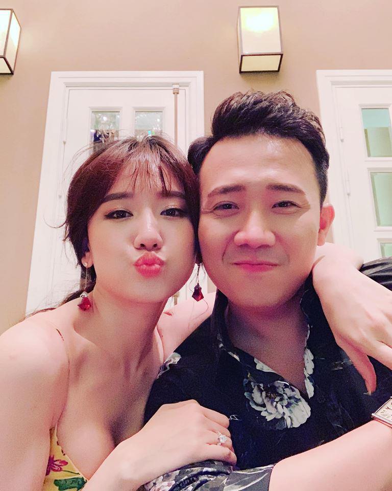 Hari Won selfie khoe nhan sắc không tuổi nhưng vòng 1 đầy đặn mới là tâm điểm chú ý