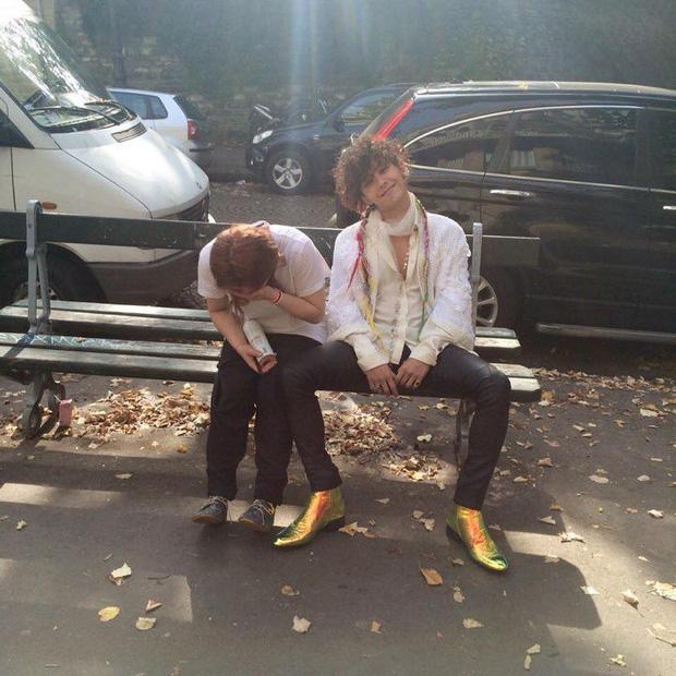 Có một G-Dragon rất khác phía sau hậu trường qua loạt ảnh của stylist vào đúng ngày sinh nhật