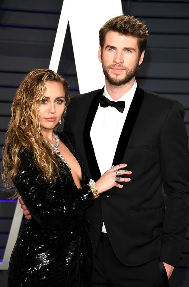 Miley Cyrus lần đầu viết tâm thư dài sau ly hôn: Thừa nhận đồi trụy, nghiện ngập nhưng không cắm sừng chồng