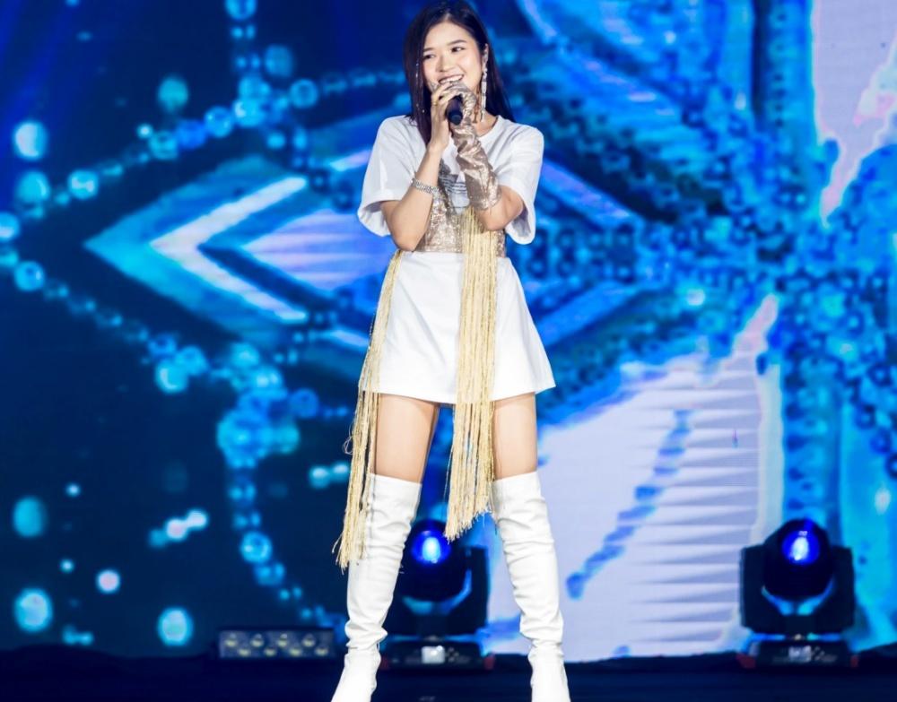 NCT Dream điển trai ngời ngời, quẩy cực sung trong lần đầu đến Việt Nam