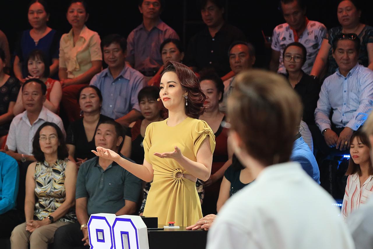 MC Lại Văn Sâm cùng dàn nghệ sĩ gạo cội phá cỗ Trung thu