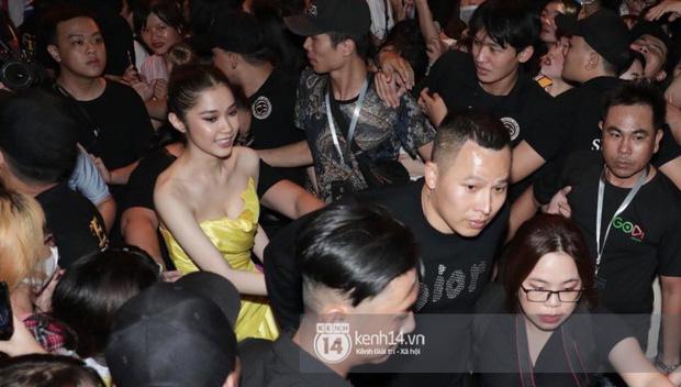 Diệp Lâm Anh thông báo Ji Chang Wook đã ra sân bay, Chi Pu và dàn sao Việt vất vả len lỏi giữa nghìn người vào sự kiện