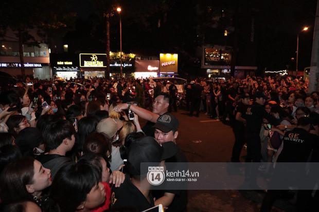 """Hàng nghìn fan """"bóp nghẹt"""" sự kiện có Ji Chang Wook tại TP.HCM, BTC thông báo huỷ phút chót vì an toàn"""