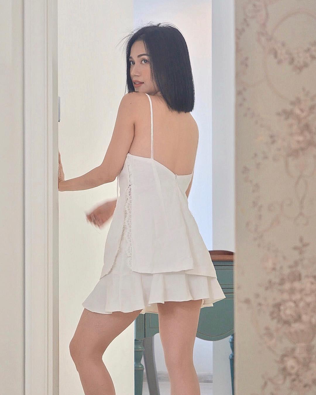 Những khoảnh khắc khoe đường cong nóng bỏng đốt mắt người xem của bạn gái Huỳnh Phương FapTV