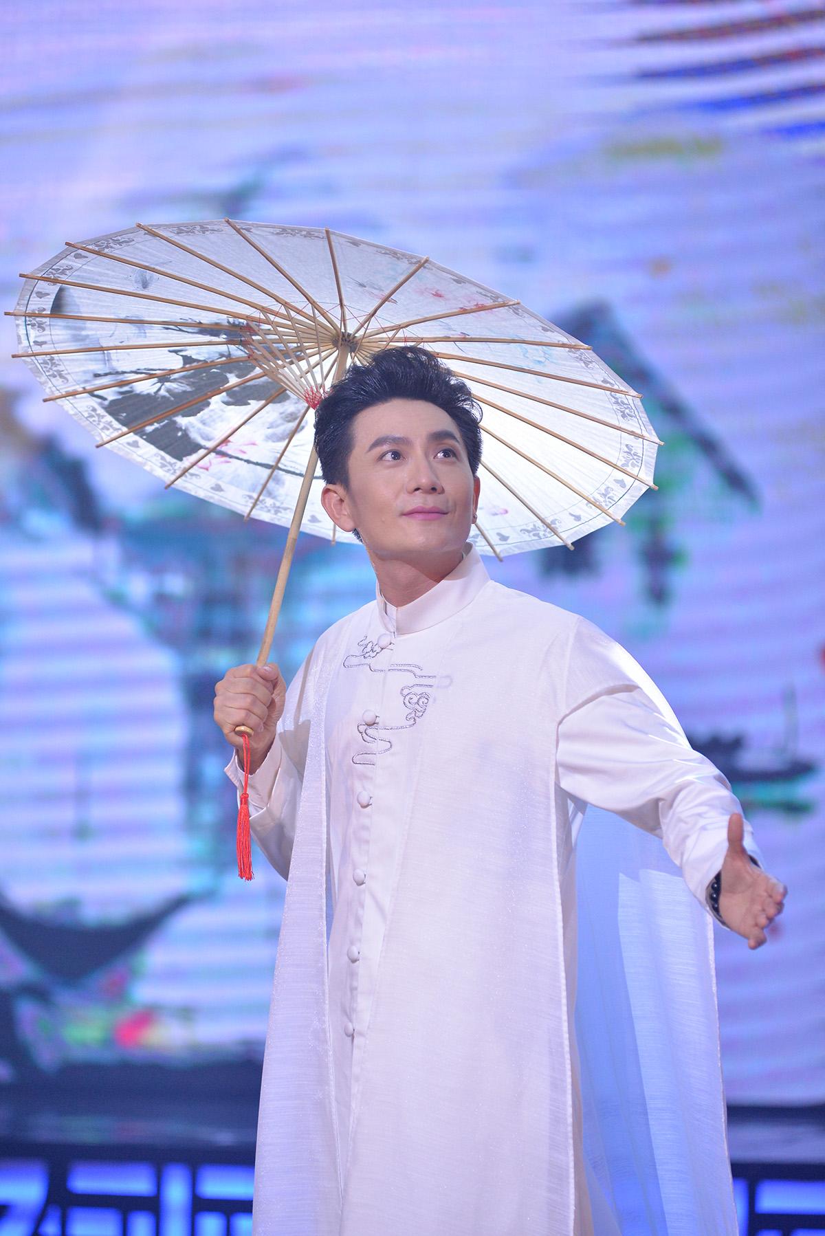 Ca sĩ Hùng Thanh tiếp tục nói không với nhạc trẻ sau tuyên bố chính thức từ giã BTV truyền hình