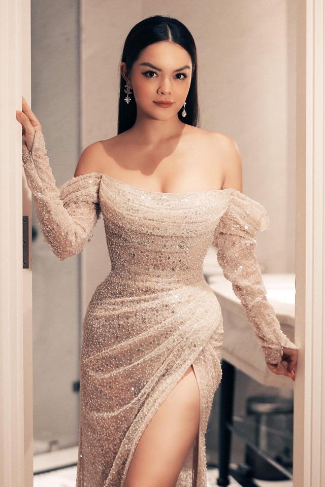 Phạm Quỳnh Anh đọ sắc cùng Midu trong MV nhạc phim mới