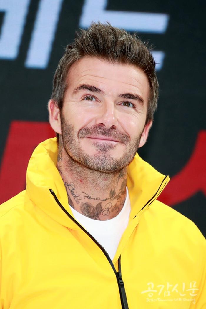 BLACKPINK diện đồ năng động, phấn khích khi đứng cùng sự kiện với David Beckham