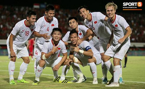 [Trực tiếp vòng loại World Cup 2022] Indonesia 0-3 Việt Nam: Tiến Linh lập công, đội chủ nhà vỡ trận