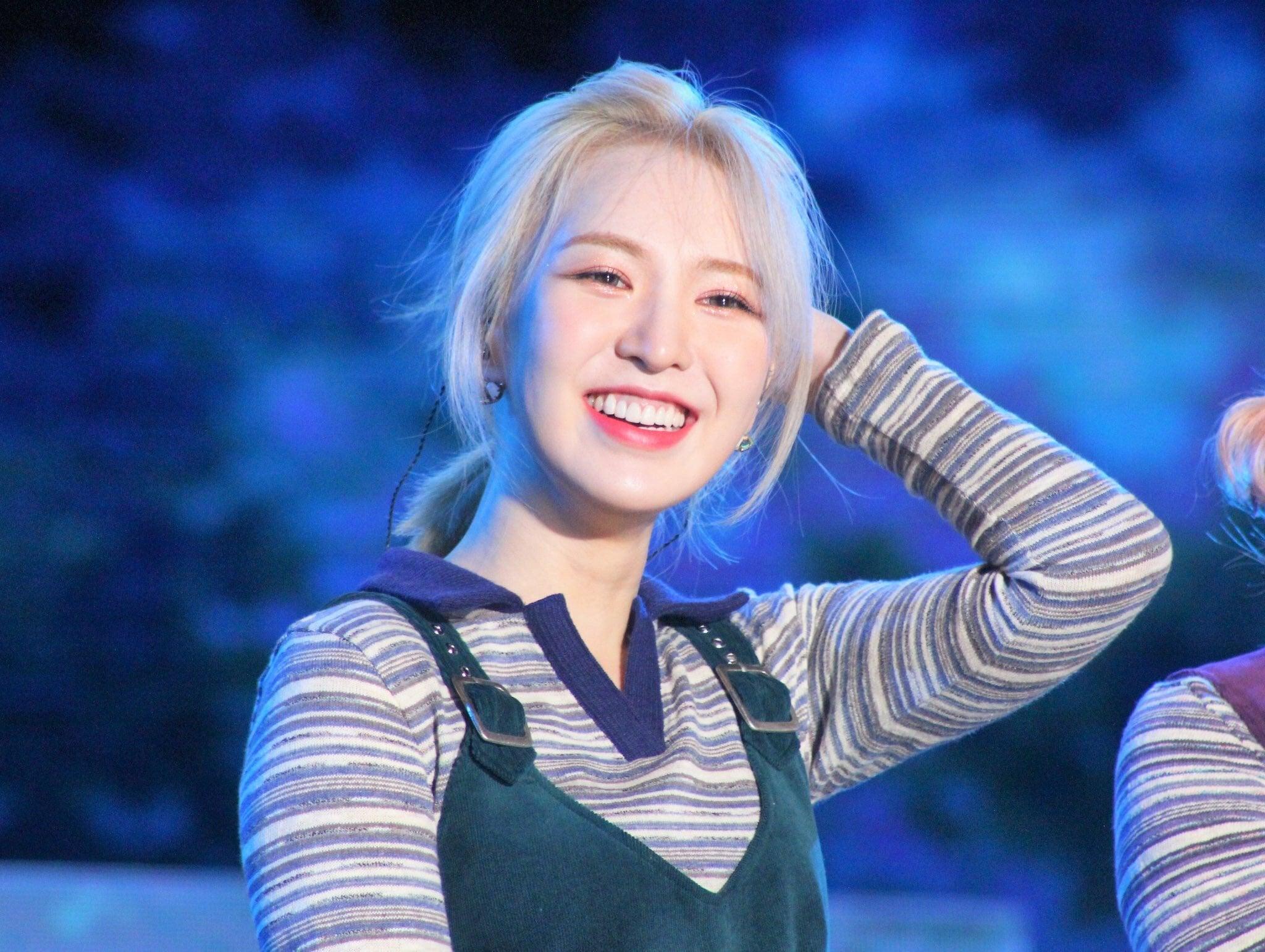 Nhuộm tóc vàng trở lại, Wendy (Red Velvet) đạt đến đẳng cấp nữ thần làm dân tình phát sốt