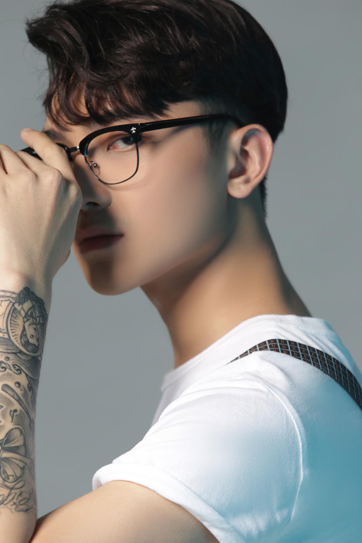 Tân binh Neon kết hợp cùng nhạc sĩ triệu view Andiez ra mắt MV đầy ma mị