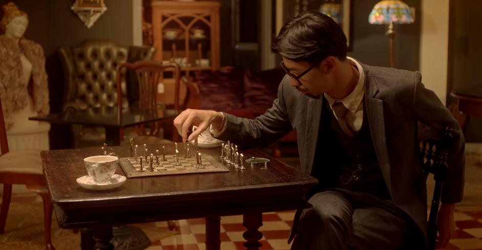 Live show vừa cháy vé, Đen Vâu liền tung teaser MV đậm màu sắc Sherlock Holmes