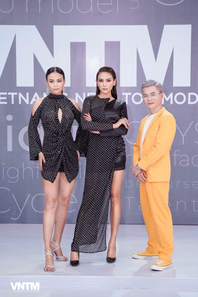 """Võ Hoàng Yến được vinh danh """"Người mẫu của năm"""", Nam Trung """"ẵm"""" luôn giải """"Người dẫn chương trình của năm"""""""