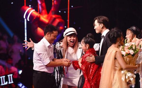 Dương Triệu Vũ thẳng thừng chỉ trích Lưu Thiên Hương sau sự cố ở Giọng hát Việt nhí
