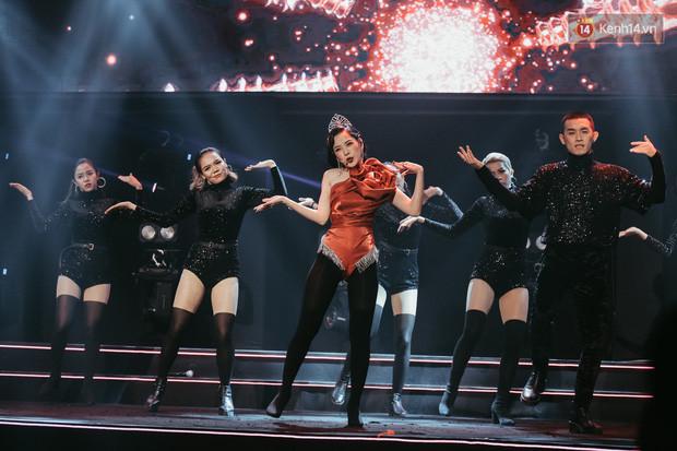 Ngọc Trinh đích thân trao vương miện Miss Showbiz International 2019, Chi Pu có thêm một sân khấu để đời?