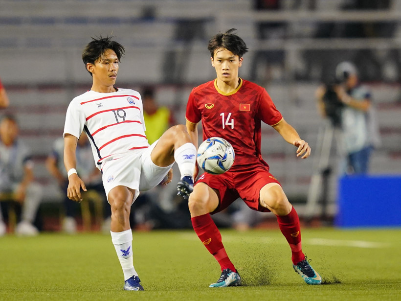 U22 Việt Nam 2-0 U22 Campuchia (H1): Tiến Linh, Đức Chinh liên tiếp tỏa sáng