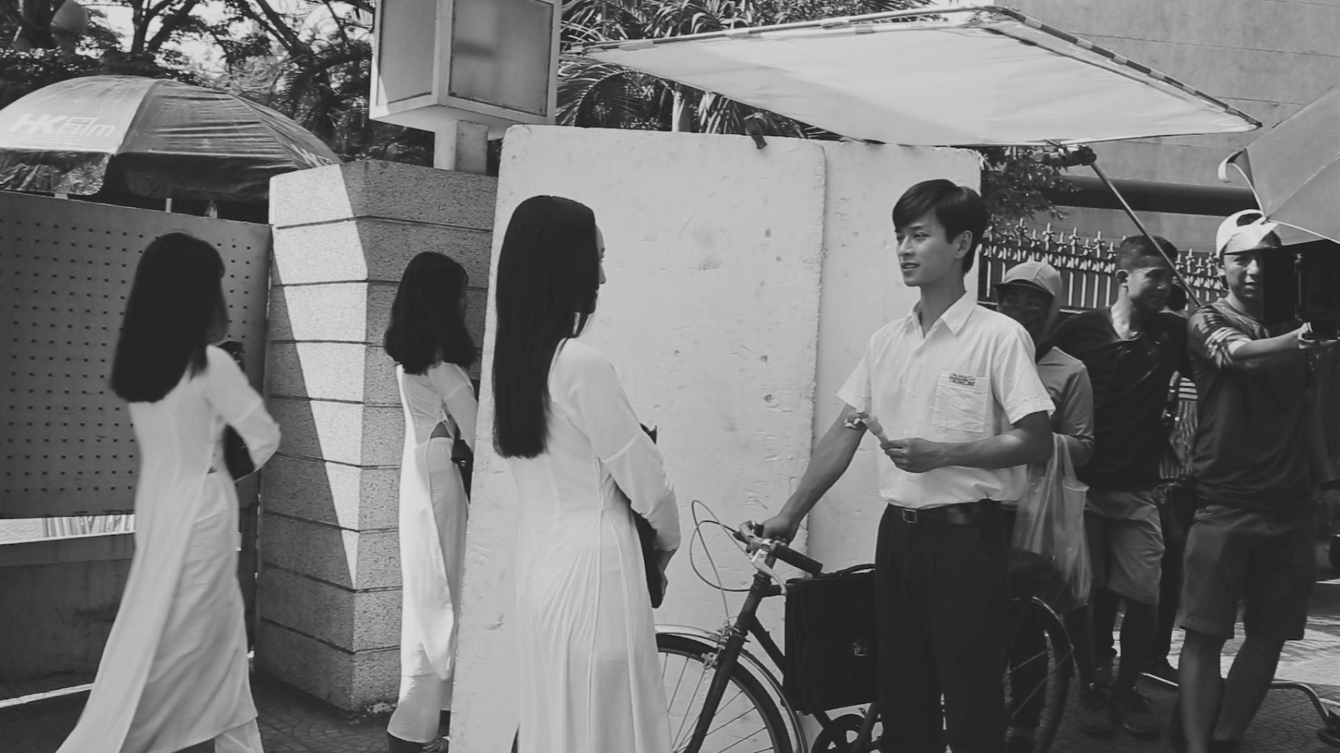 """Có Chàng Trai Viết Lên Cây - Hiện tượng """"ngược đời"""" của Vpop"""