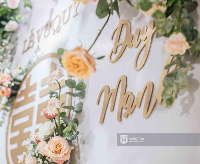 Không gian phủ kín hoa tươi tại nhà Quỳnh Anh trước đám cưới với Duy Mạnh