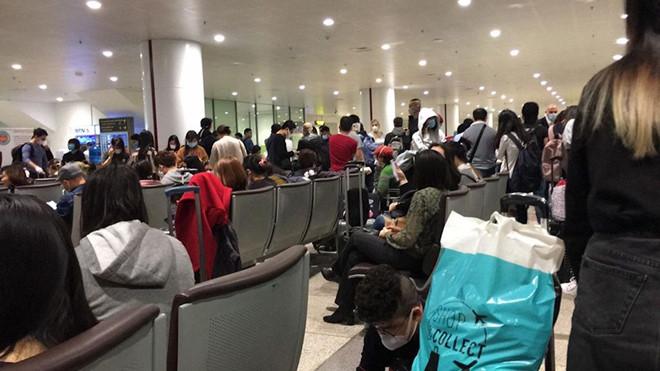 Nóng: Việt Nam tạm dừng nhập cảnh với tất cả người nước ngoài từ 0h ngày 22/3