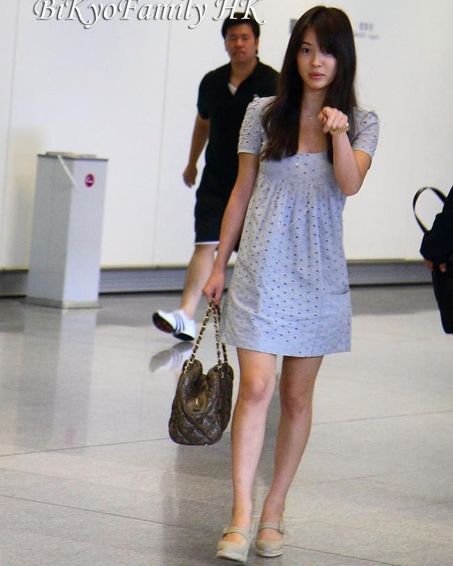 Vẫn biết Song Hye Kyo sở hữu mặt mộc đẹp tự nhiên, nhưng không nghĩ lại thách thức camera thường tới mức độ này