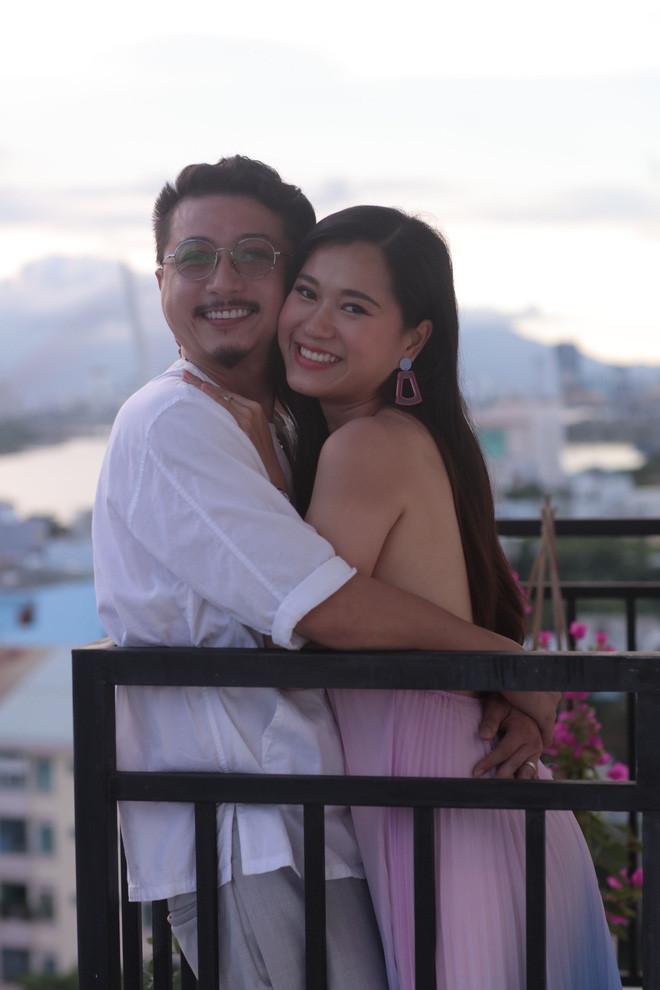 Lâm Vỹ Dạ tung ảnh đánh dấu 10 năm hôn nhân với Hứa Minh Đạt, tâm điểm đổ dồn vào body mẹ 2 con hậu giảm cân