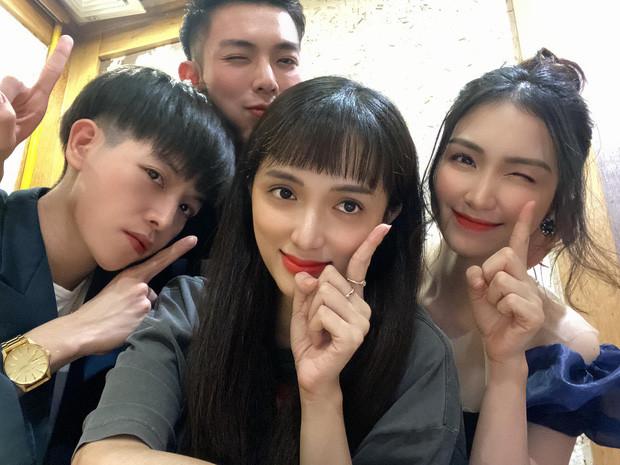 Hương Giang - Hòa Minzy lên đồ sang chảnh dự sinh nhật Đức Phúc - Erik