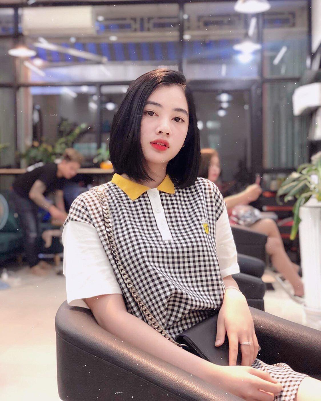 Chồng cũ Lệ Quyên hẹn hò người đẹp 10x kém 27 tuổi từng gây sốt tại Hoa hậu Việt Nam 2020