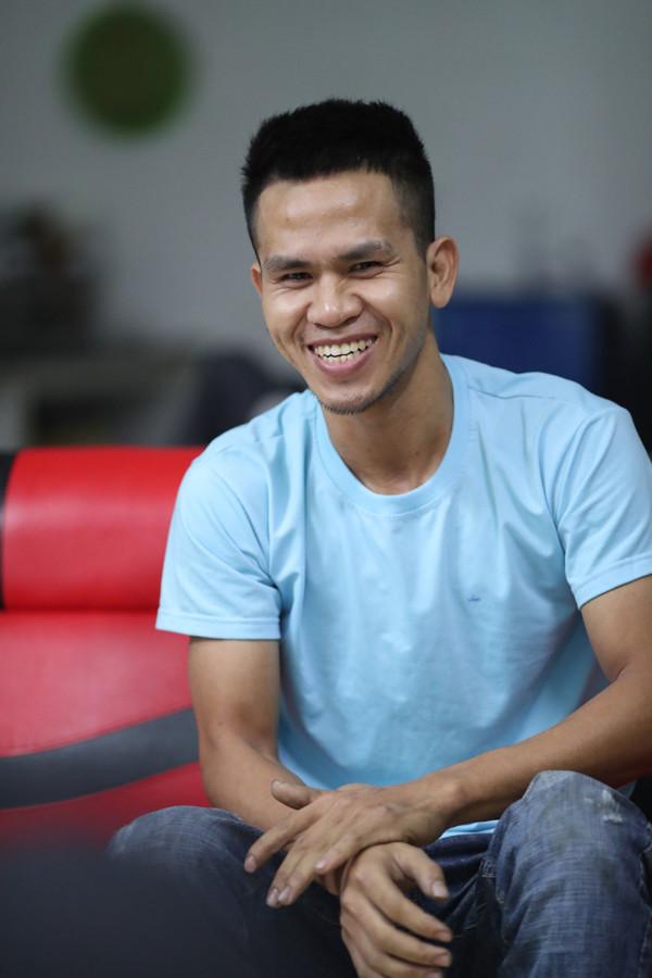 Sao Việt và cộng đồng mạng truy lùng số tài khoản của người hùng Nguyễn Ngọc Mạnh, mong được gặp và gửi quà