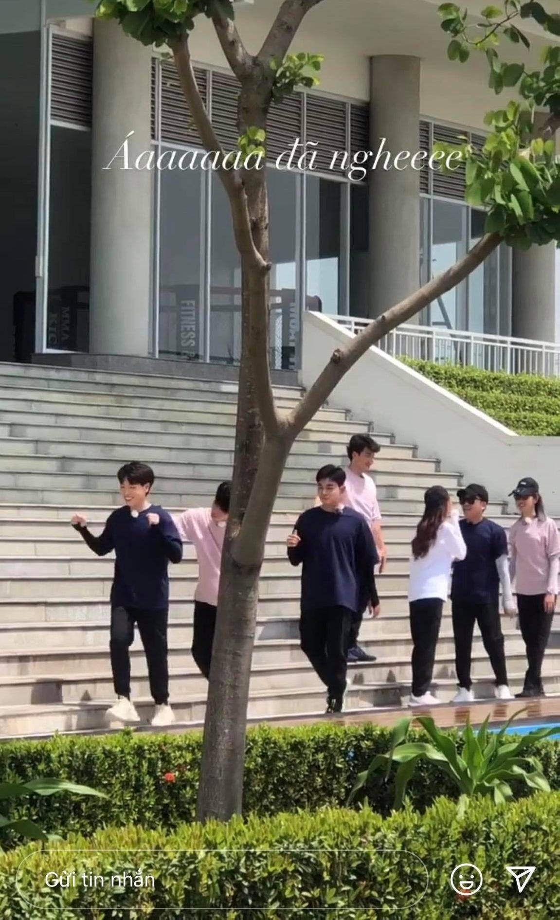 Karik hé lộ khoảnh khắc chung khung hình đầu tiên của dàn cast Running Man Vietnam mùa 2
