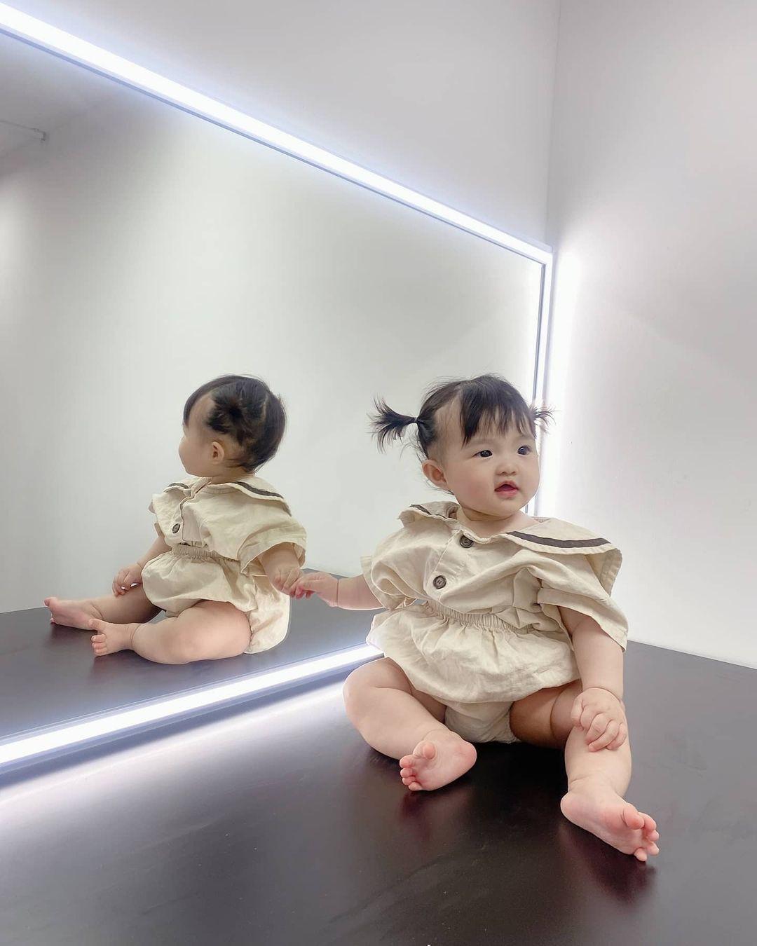 Loạt ảnh chứng minh con gái Đông Nhi - Ông Cao Thắng không chỉ ngày càng xinh mà độ tếu táo, hài hước cũng tăng đáng kể