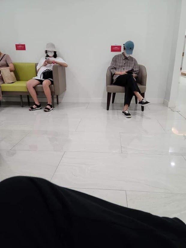 Anh Tú lộ diện sau 1 tuần im ắng trước tin đồn Diệu Nhi sinh con, netizen thi nhau chúc mừng chuyện lên chức