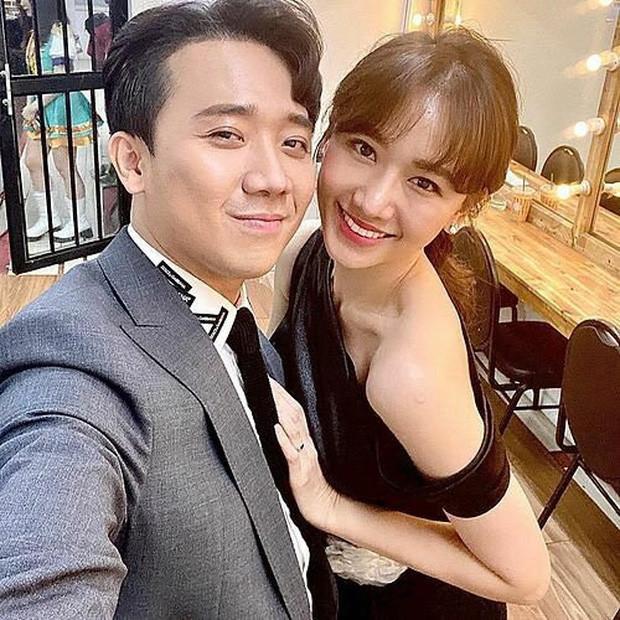 Netizen kém duyên liên tục spam ảnh Tiến Đạt vào Facebook của Hari Won