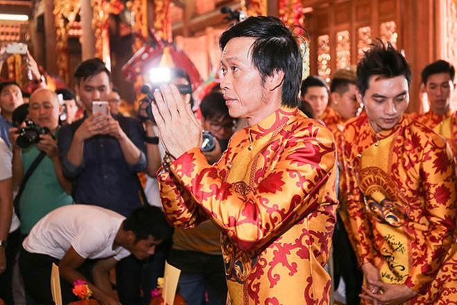 Sau lễ Giỗ tổ sân khấu, Tiến Luật hé lộ 1 điều trong nhà thờ 100 tỷ hoàn toàn im ắng của NS Hoài Linh?