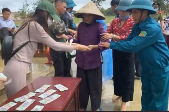 Phía Thuỷ Tiên chính thức lên tiếng làm rõ nghi vấn cắt xén 2 triệu đồng/hộ trong chuyến cứu trợ miền Trung!