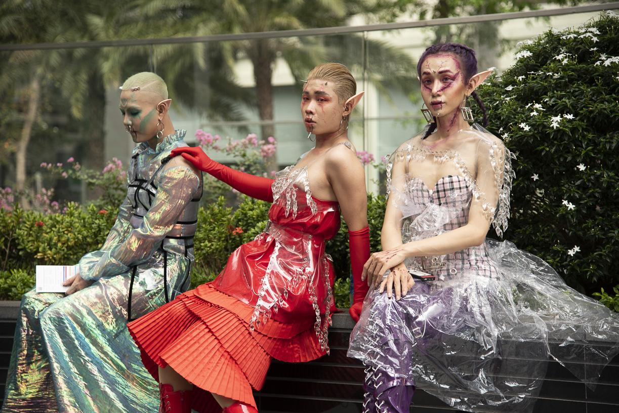 Khởi động The Best Streetstyle ngày 1: cặp bạn thân The Face vietnam 2018 Tuấn Kiệt và Như Mỹ hội ngộ, cùng nhau càn quét sàn diễn thời trang đường phố