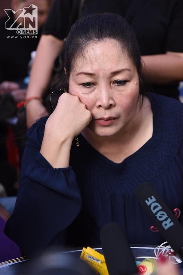Youtuber Việt Nam quá đáng đến mức khó tin, NS Hồng Vân bức xúc lên tiếng: Trời ơi??? Cái gì nữa đây trời???