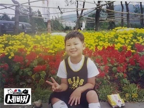 Soi ảnh quá khứ và mặt mộc của dàn visual Kpop BTS, có thật sự là ai cũng đẹp hoàn mỹ không?