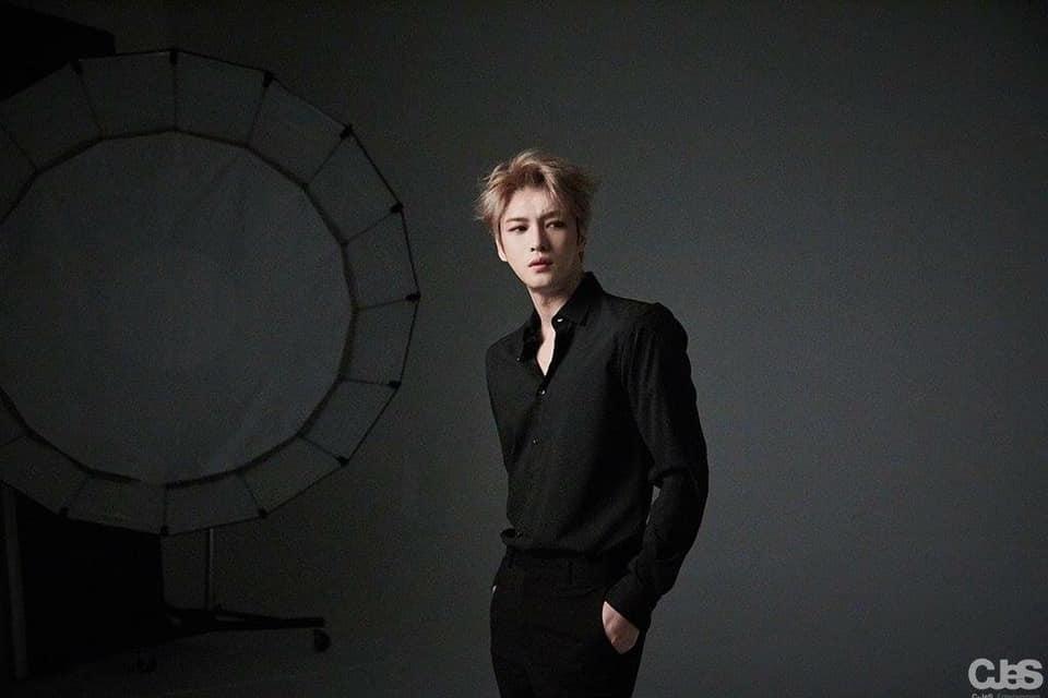 Đỉnh cao visual 11 năm của Kpop, Kim Jaejoong vẫn phong độ ngút trời trong bộ ảnh mới