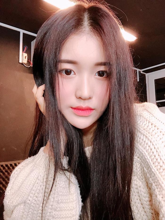 Có phải khán giả đã quá khắt khe với 2 nữ ca sĩ gốc Hàn hoạt động tại showbiz Việt?