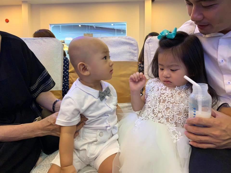 Trụy tim khi quý tử nhà Lương Thế Thành dụ tặng bình sữa, đòi làm quen công chúa nhà Vân Trang