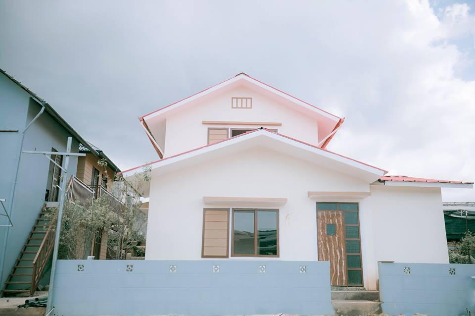 Đà Lạt có homestay mới, phiên bản thật giống 100% căn nhà của Nobita và sân bóng trong truyện
