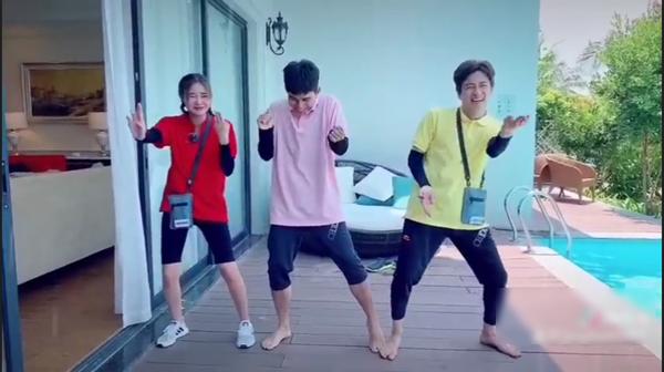 Dàn sao Running man bản Việt thi nhau bắt trend nóng Cục xì lầu ông bê lắc